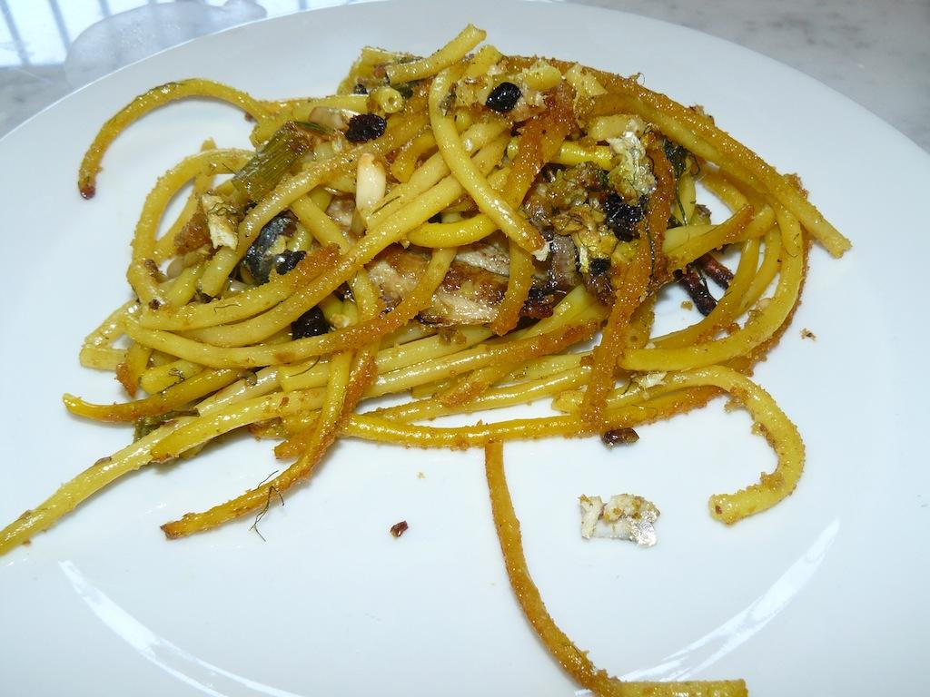 pasta-con-le-sarde-in-piatto-2